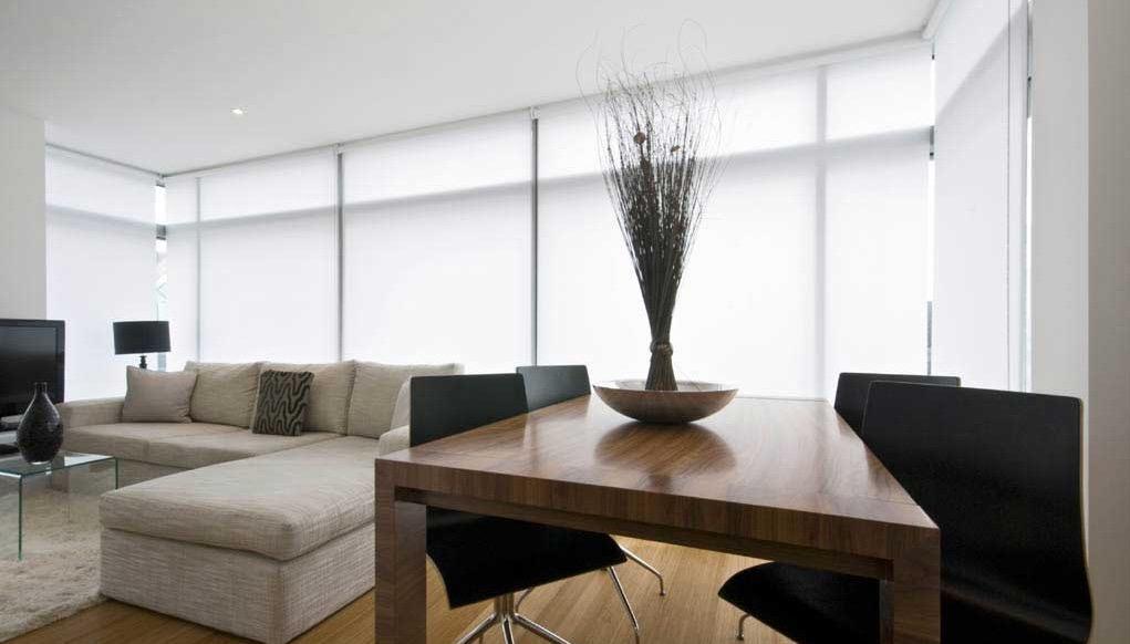 Estores enrollables para decorar tu casa for Cortinas estores enrollables