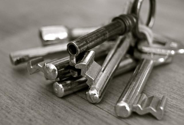 C mo protegerse contra los trucos para abrir puertas sin llave - Abrir puerta sin llave clip ...