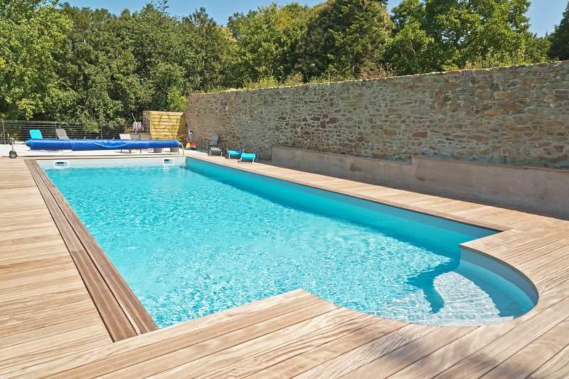 las piscinas de poli ster y fibra una alternativa con