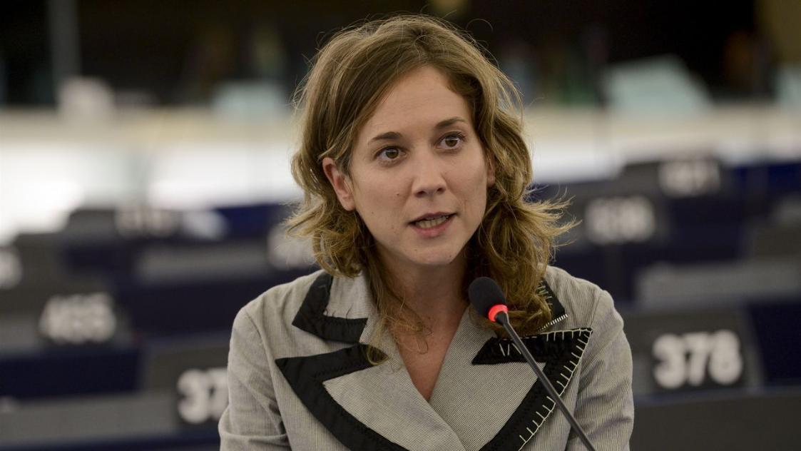 Marina Albiol dimite como portavoz pero no deja su escaño en el Parlamento Europeo