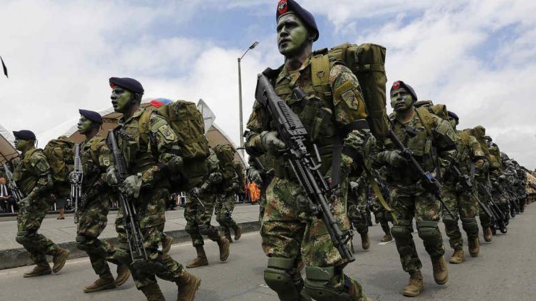 Colombia desplegará 5 mil soldados en frontera con Venezuela