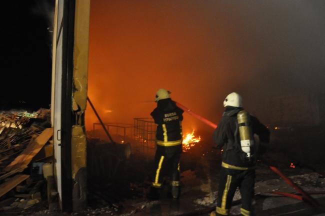 Turquía: Joven incendia una fábrica en la que fue explotado