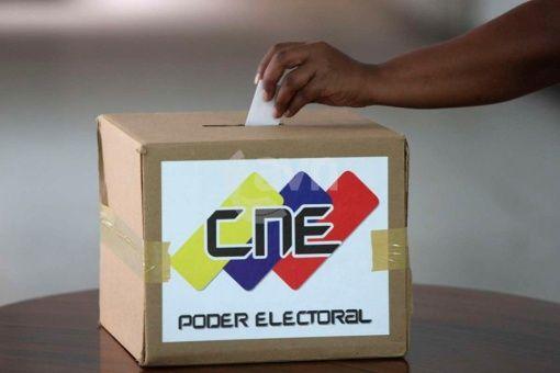 El sistema electoral venezolano es elogiado por observadores internacionales