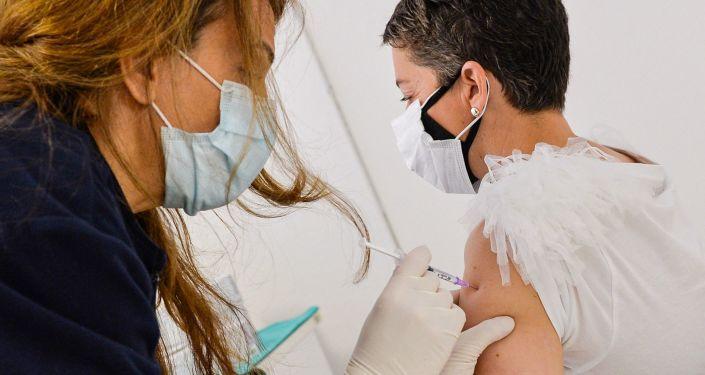 La vacuna rusa contra la Vaca Sputnik muestra un 94,8% de eficacia contra el coronavirus en San Marino